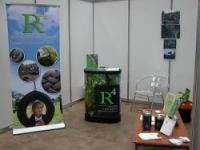 R4 Stand